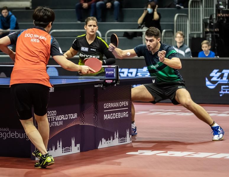 Schon früh begannen am Freitag die Spiele mit deutscher Beteiligung. Gleich am Anfang stiegen Patrick Franziska und Petrissa Solja in die Box... (©Gohlke)