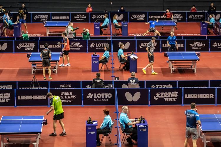 Alle Tische sind besetzt, Tag zwei der German Open kann beginnen (©Gohlke)