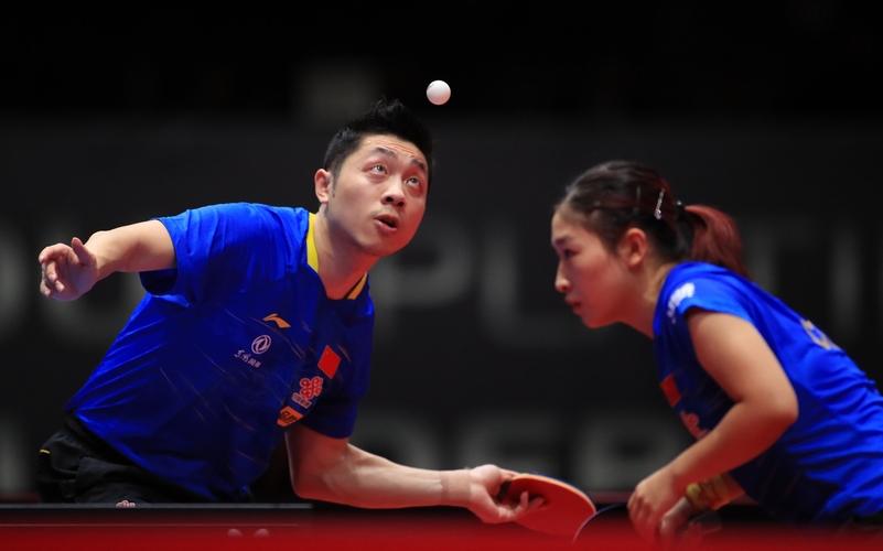 Einen Titelverteidiger gibt es in dieser Disziplin noch nicht, aber diese beiden sind ganz heiße Titelanwärter: die amtierenden Weltmeister Xu Xin und Liu Shiwen (©ITTF)